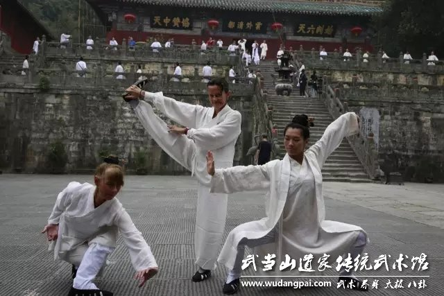 道士上山参演《道士进城》,武馆从电影维度传播武当文化