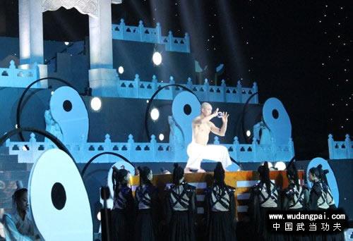 """中国台湾的第二季""""中国达人秀""""四强胡启志"""