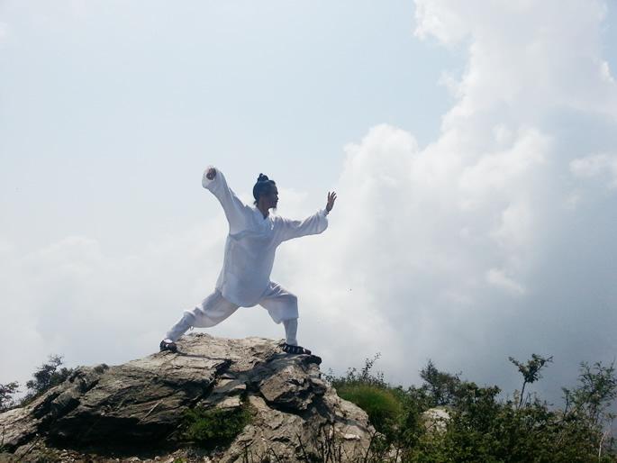雾霾天养生太极拳预防和治疗呼吸系统慢性疾病方法