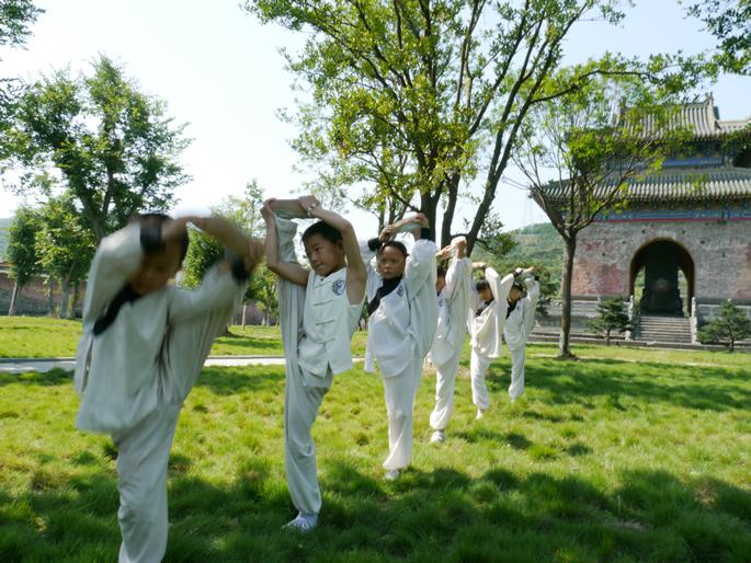 暑假班学员腿部练习