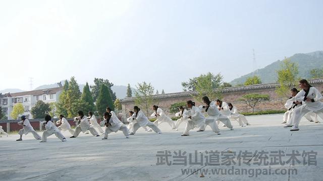 传统班武术表演